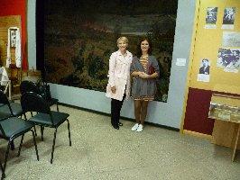 Жительницы г.Москвы Ю.С.Пхалагова (слева) и О.В.Шамякина. Музей-заповедник Большой Дуб, 11.09.2010 г.